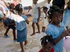 Американцев задержали за попытку вывезти детей из Гаити