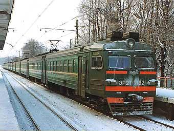 Электропоезд на подмосковной станции. Фото пресс-службы ОАО РЖД