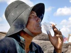 Индонезиец получит компенсацию за взорвавшуюся во рту сигарету