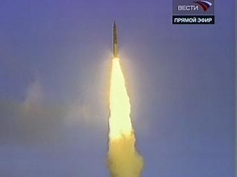 """Старт ракеты-носителя """"Рокот"""" со спутником """"Юбилейный"""" на борту. Кадр """"Вестей"""""""