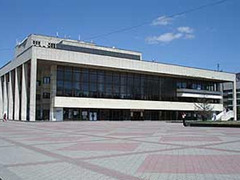 Российские актеры в Симферополе отказались доиграть спектакль