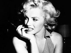 Неизвестные фото Мэрилин Монро выставили на торги