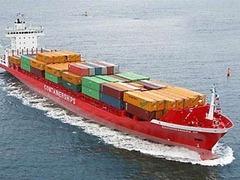 В Балтийском море затонули три контейнера с химикатами и специями