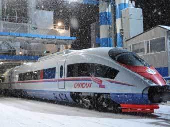 """Высокоскоростной экспресс  """"Сапсан """" доставил первых пассажиров из..."""