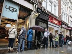 Британцы научат иммигрантов правильно стоять в очередях