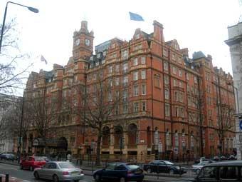 В Лондоне по подозрению в убийстве задержан саудовский принц