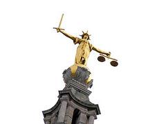 Большинство британских присяжных оказались некомпетентными