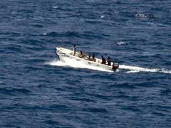 Сомалийские пираты отпустили судно с россиянами