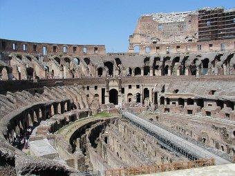 Колизей. Фото пользователя Ra Boe с сайта wikipedia.org