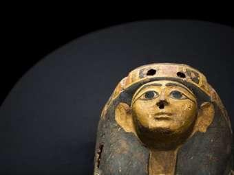 Возвращенный Египту саркофаг. Фото ©AFP