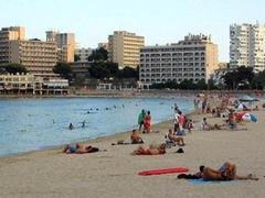 Британское турагентство отправило пенсионерку на молодежный курорт