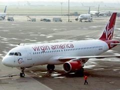 Авиакомпания 16 часов продержала пассажиров на чипсах и воде