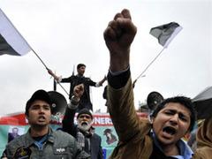 Сотрудники ООН попали под руку митингующим пакистанцам