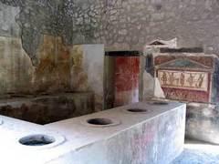 В Помпеях возобновит работу 2000-летняя закусочная