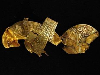 Золотые украшения из клада. Фото ©AFP
