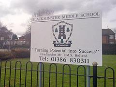 Британский учитель инсценировал собственное убийство при детях
