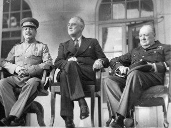 Руководство антигитлеровской коалиции на Тегеранской конференции в 1943 году. Фото с сайта afterimagegallery.com