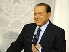 Альянс Берлускони отвоевал у оппозиции четыре региона