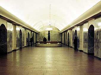 """В результате драки, произошедшей в ночь на 7 июня на станции  """"Чистые пруды """" московского метро, два человека получили..."""