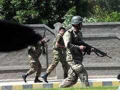 Консульство США в Пакистане атаковали талибы