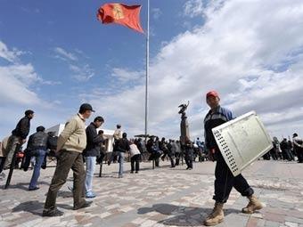 На центральной площади Бишкека.  Фото AFP.