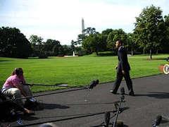 Ради дочери-футболистки Обама сбежал от журналистов