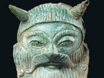 Этрусская бронзовая маска Ахелоя. Фото с сайта дома Christie's