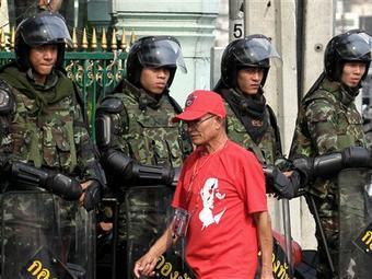 Участников столкновений в Таиланде застрелили из армейских винтовок
