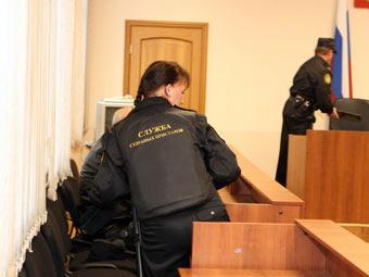 Судебные приставы. Фото с сайта r25.fssprus.ru