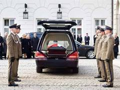 Похороны Леха Качиньского перенесены на сутки