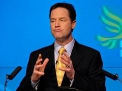 Лидер либерал-демократов стал самым популярным британским политиком со времен Черчилля