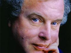 Концерт пианиста Андраша Шиффа в России отменен из-за исландского вулкана