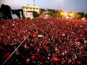 В Бангкоке погибли 3 участника проправительственного митинга