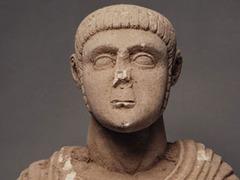 С аукциона сняли подозрительные римские скульптуры