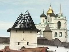 Минкультуры выделит 10 миллионов рублей на ремонт сгоревшего кремля в Пскове