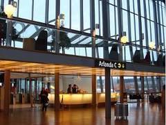 Самолет Таллин-Осло вынужденно сел из-за буйного норвежца