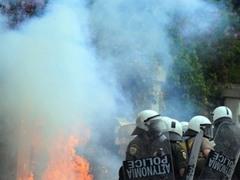 На борьбу с беспорядками мобилизована вся полиция Афин