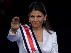 Первая женщина-президент Коста-Рики вступила в должность