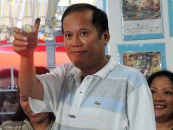 Сын убитого оппозиционера побеждает на выборах президента Филиппин