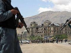 В Кабуле террорист-смертник взорвал более 20 человек