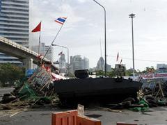 В Бангкоке военные прорвали баррикады оппозиции