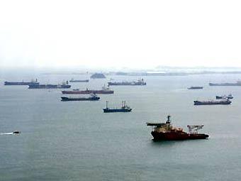 В Сингапурском проливе разлилось две тысячи тонн нефти
