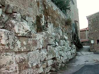 Древняя стена в Ветулонии. Фото Trapanator