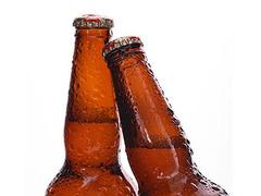 Американец потребовал арестовать отобравшую у него пиво мать