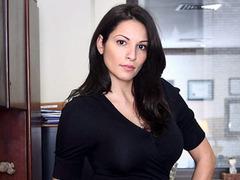 Сексуальность стоила жительнице Нью-Йорка работы в банке