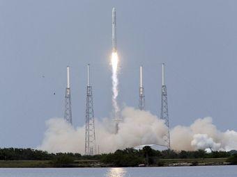 Старт Falcon-9. Фото ©AFP