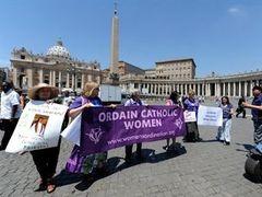 Полиция разогнала акцию движения за рукоположение женщин