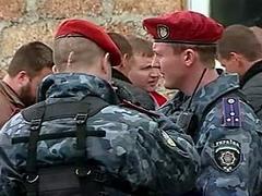Жители Киева вызвали спецназ на репетицию юмористического шоу