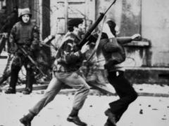 """Британских солдат признали виновными в убийствах """"кровавого воскресенья"""""""