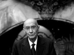 Умер португальский писатель Жозе Сарамаго